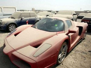 abandoned-cars-dubai-01