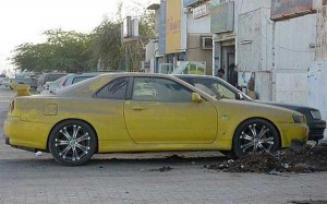 abandoned-cars-dubai-11